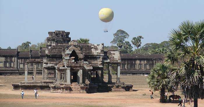 angkor-balloon-flight-13032408-700x370