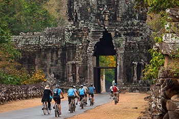 cycling-at-angkor-0201