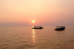 Tonle Sap Sunset 16031701 250pixel