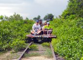 Battambang Bamboo Train 01 853x640
